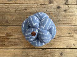 Snuffelbal blauw/wit – 25cm