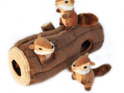 Zippy Burrow – Log With 3 Chipmunks